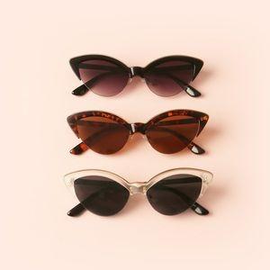 42b47560da3 Accessories - Retro cat eye sunglasses